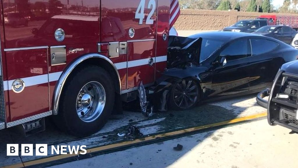 Tesla and GM self-drive cars involved in road collisions