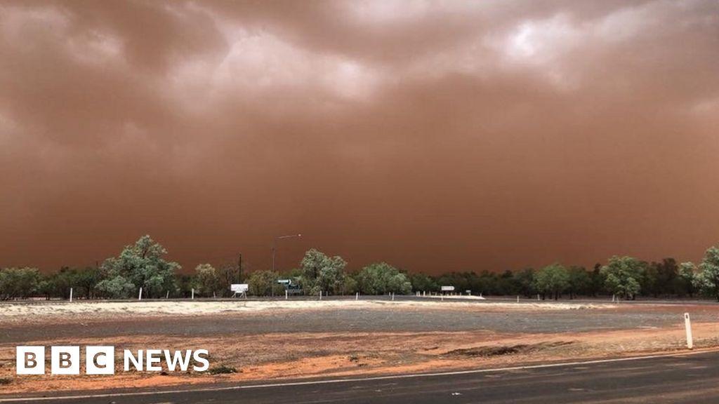 Dust storm blankets Australian town in orange - BBC News