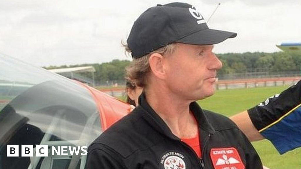 Air crash pilot to be charged over deaths