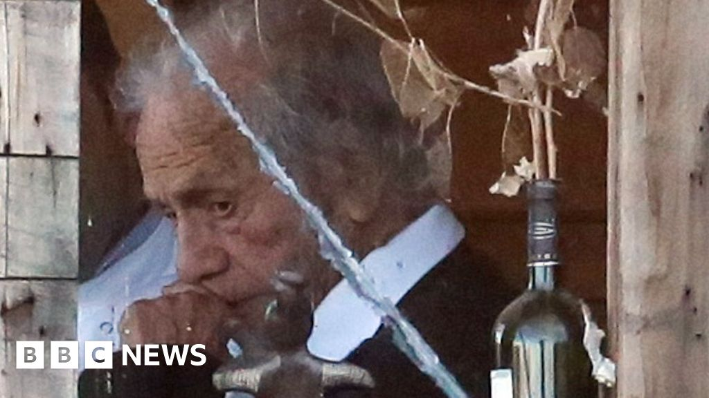 Chilean poet and physicist Nicanor Parra dies at 103