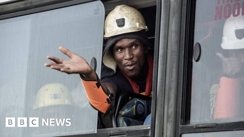South Africa gold mine: Rescue underway for 955 trapped workers