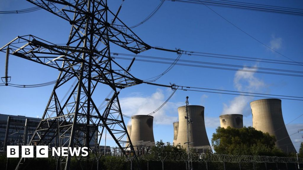 Britain powers on without coal for three days