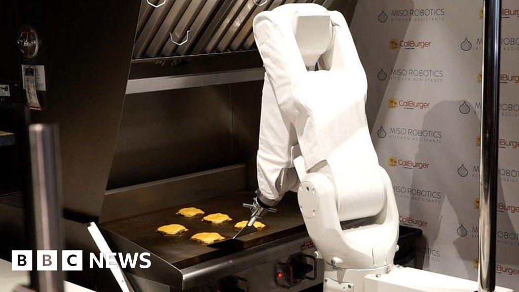 Burger-flipping robot begins first shift