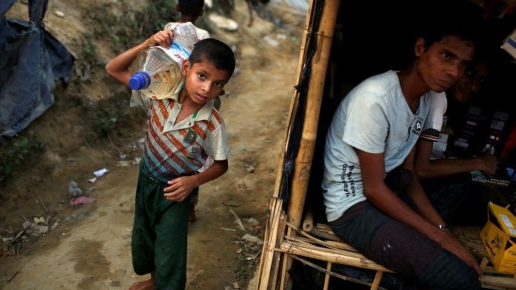 Rohingya crisis: Myanmar general hit by US sanctions
