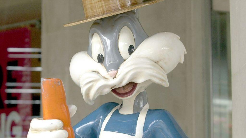 Bob Givens: Bugs Bunny animator dies aged 99