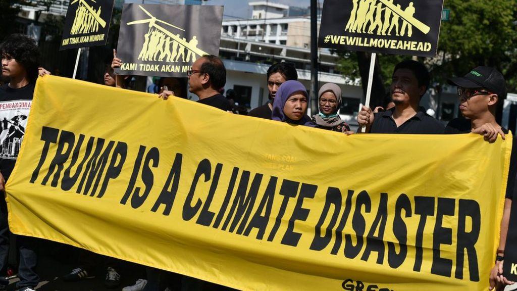 US notifies UN of Paris climate deal pullout