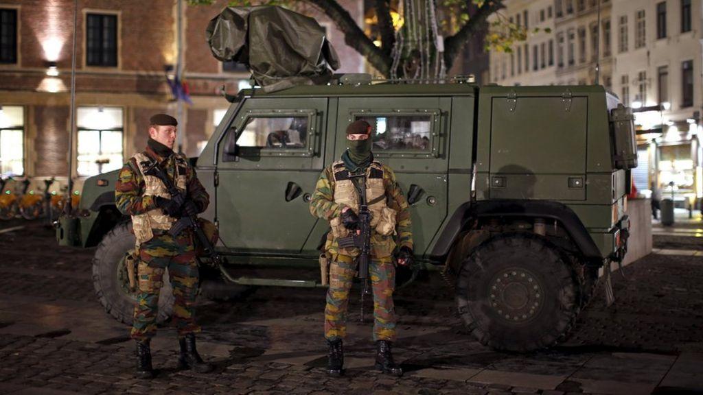 US issues worldwide travel alert over terror threats - BBC News