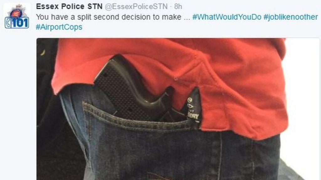 Man had gun-shaped phone case at airport