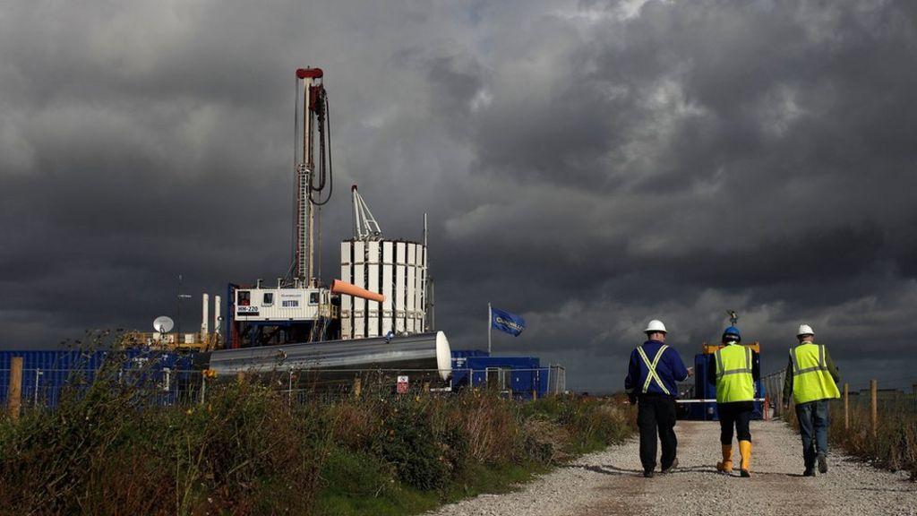 Scottish government backs ban on fracking
