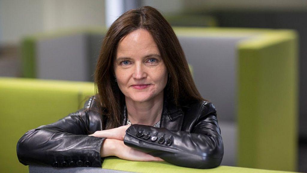 Bank deputy Charlotte Hogg admits breaching guidelines - BBC News