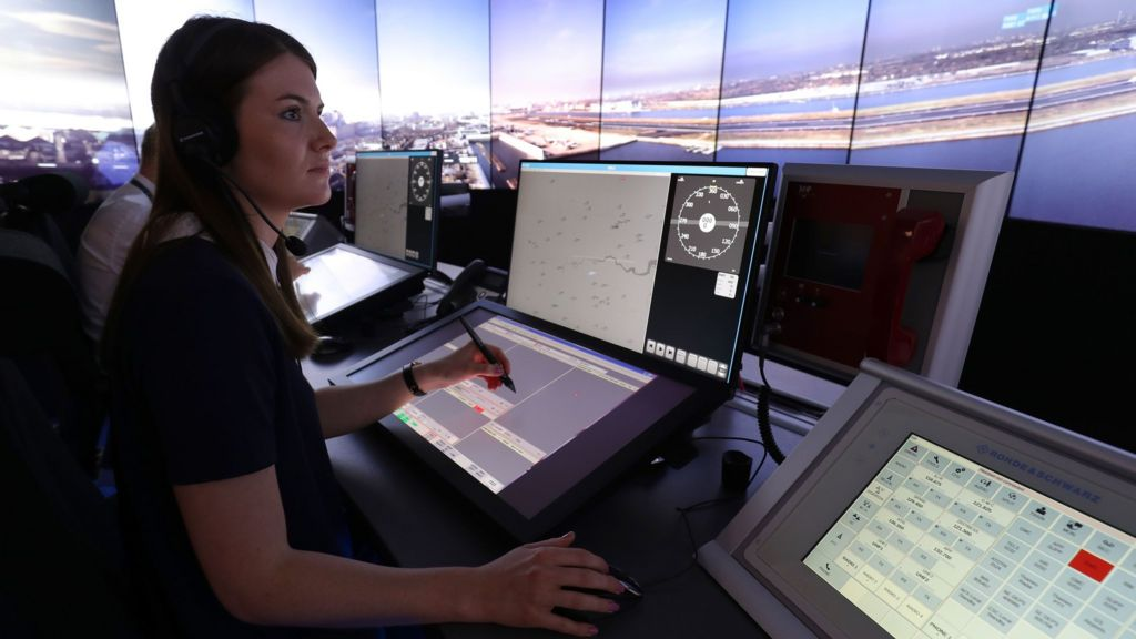 london city first in uk to get remote air traffic control. Black Bedroom Furniture Sets. Home Design Ideas