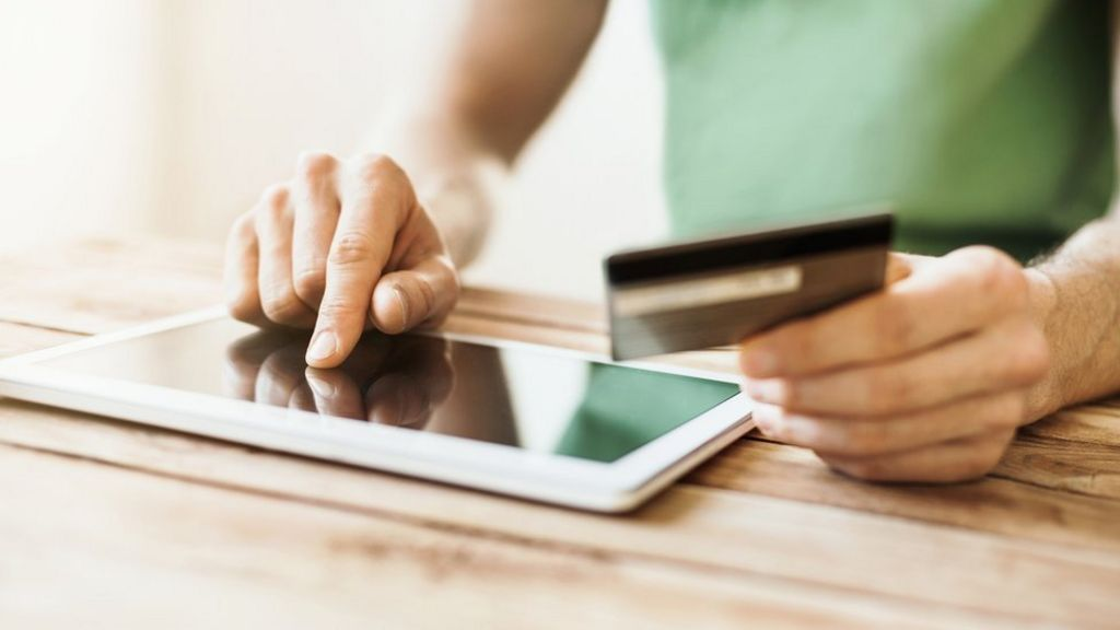 UK's online shoppers top global spending survey