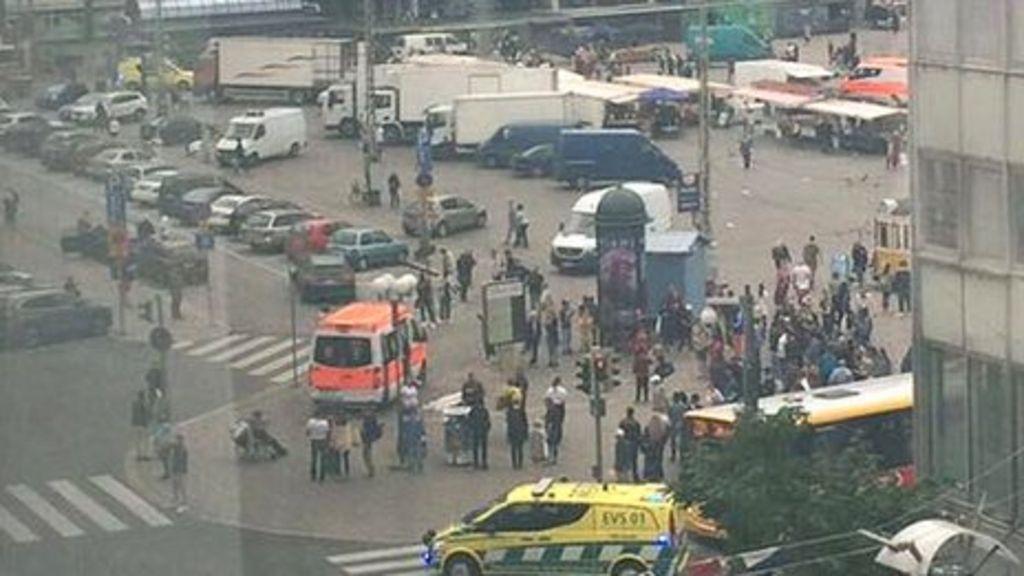 Finland stabbings: Man shot and held after Turku attacks - BBC News