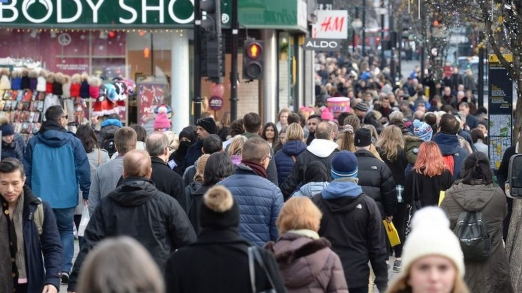 December shopper footfall down 'significantly'