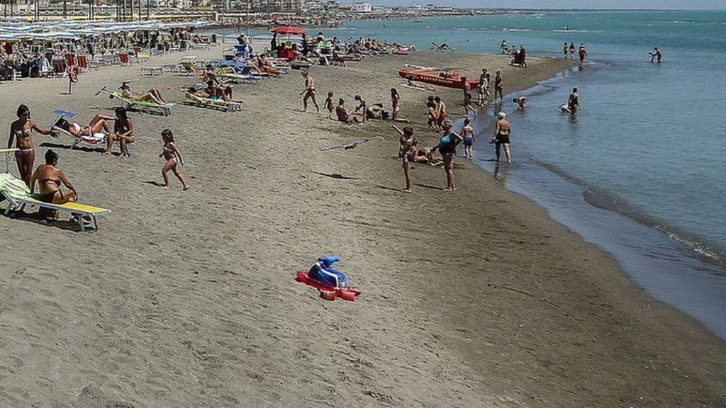 Briton and Italian die in beach rescue near Brindisi
