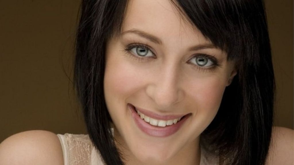 Jessica Falkholt: Home and Away star's sister dies in crash