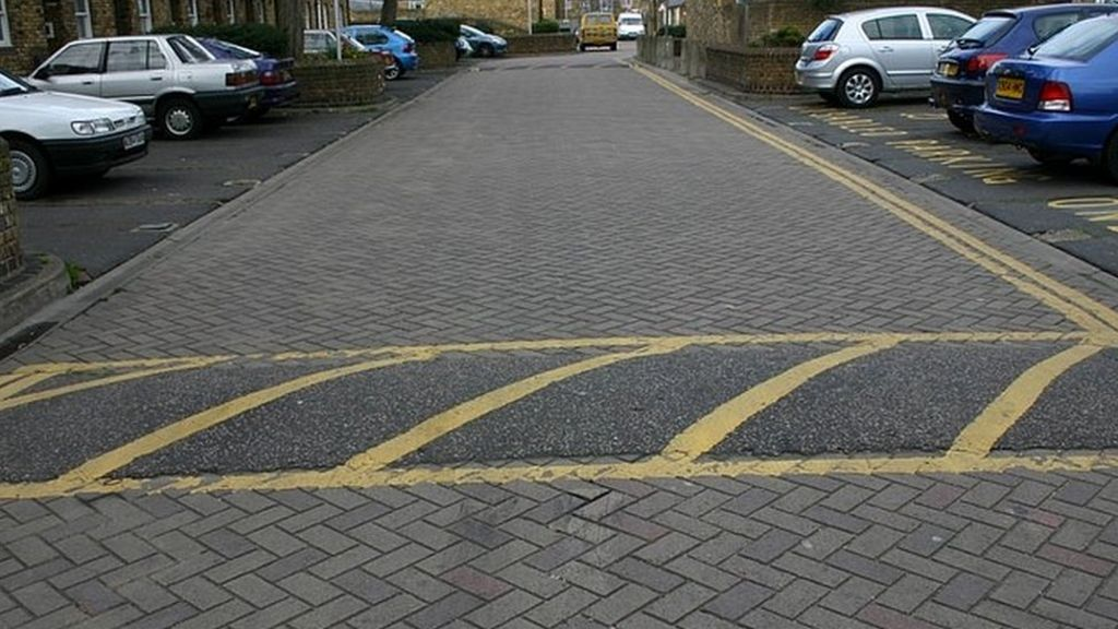 Axing speed bumps to cut pollution 'is daft'