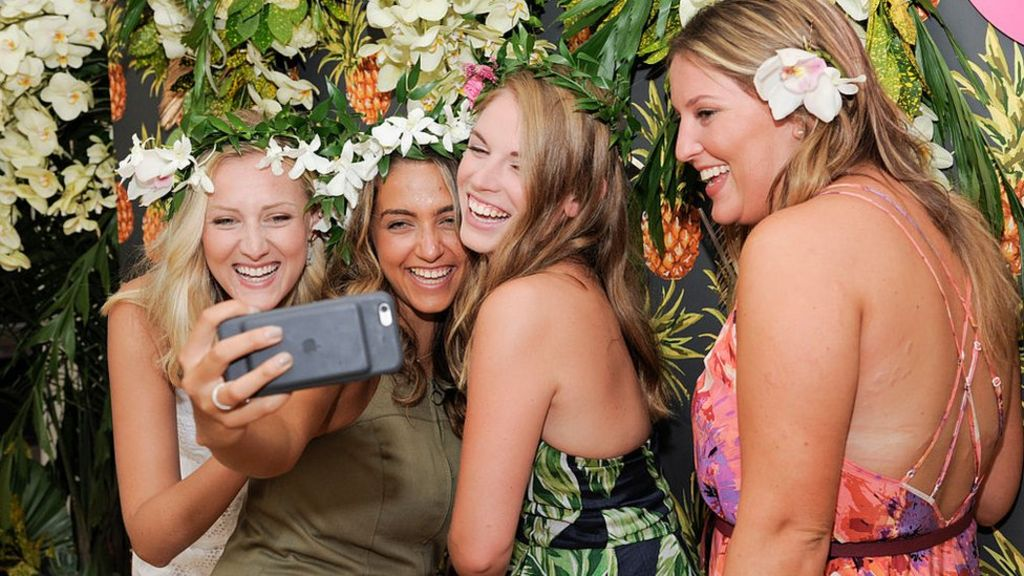 Selfies fuel boom in make-up sales