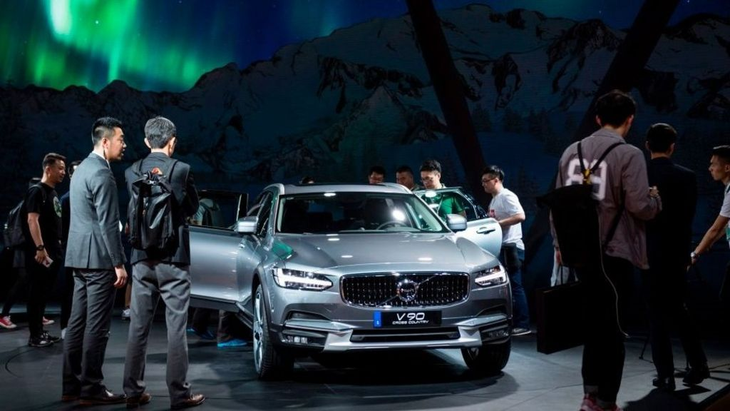 Volvo to drop traditional engines – BBC News