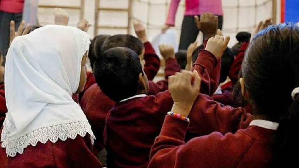 Ofsted inspectors to quiz girls in hijabs