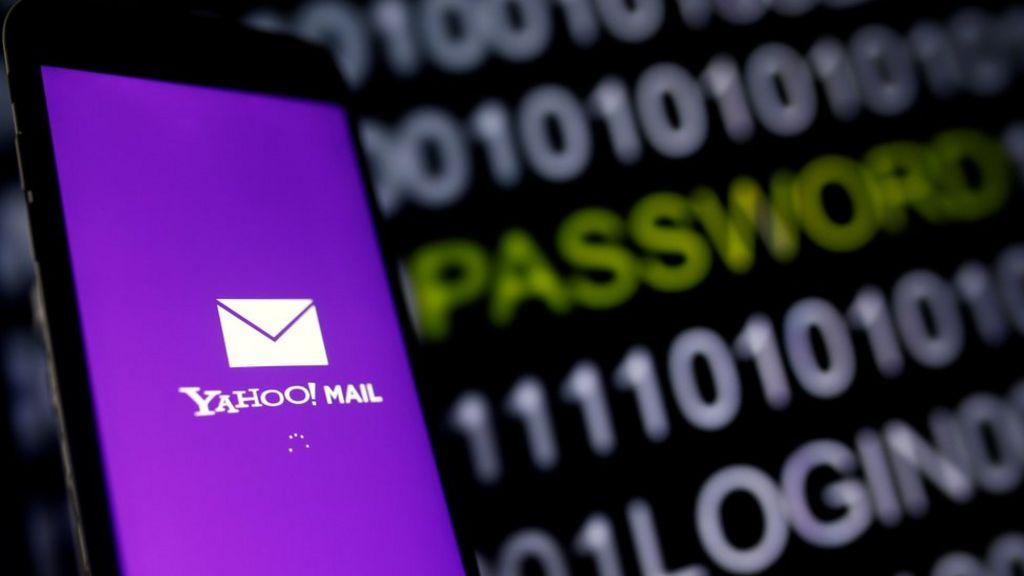 Yahoo 2013 data breach hit 'all three billion accounts'