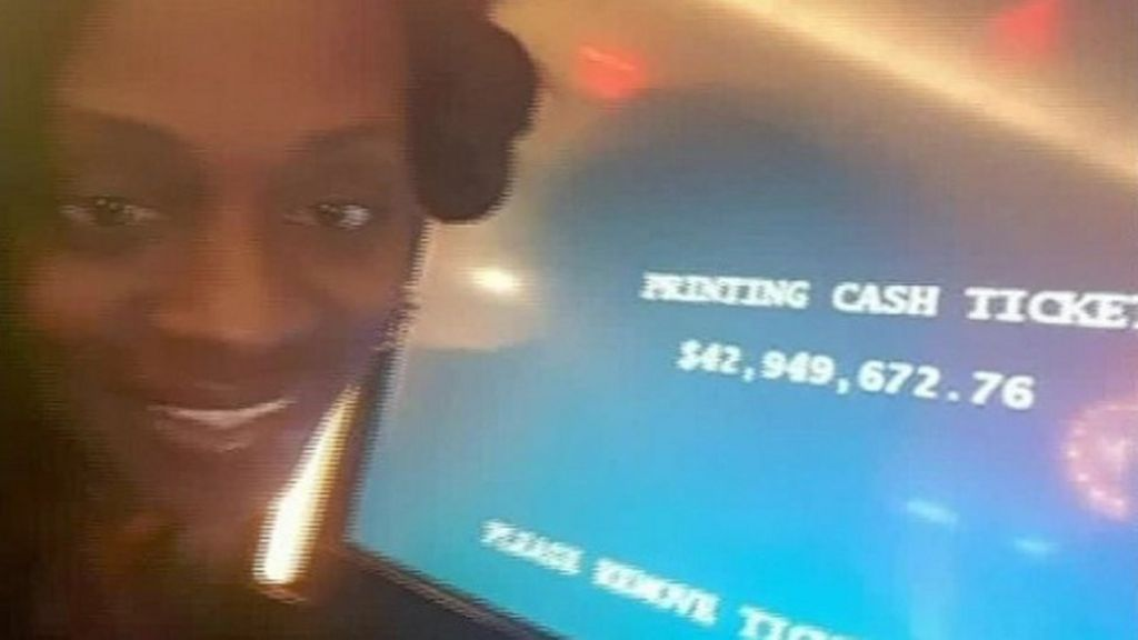US woman sues casino that 'offered dinner instead of $43m jackpot'