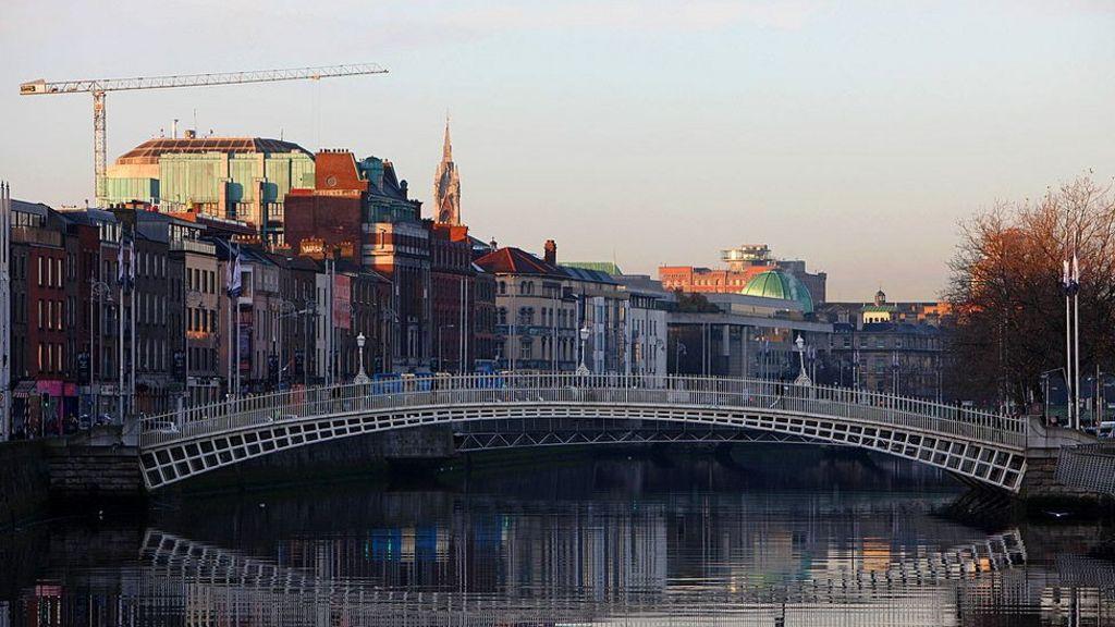 Brexit: Irish business leaders warn of 'calamitous divorce'