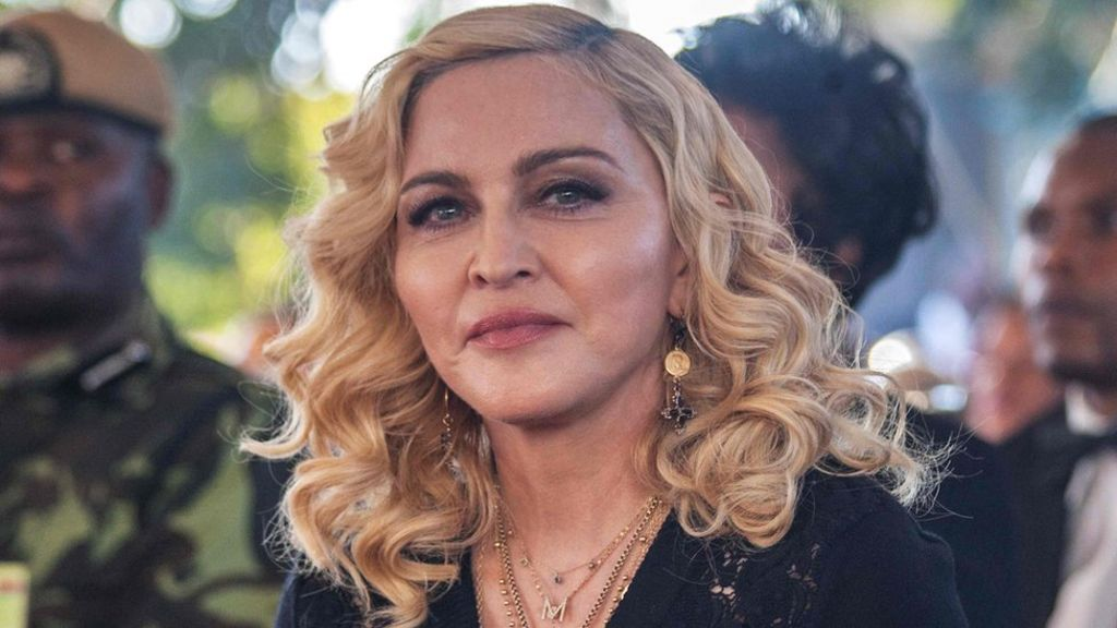 Madonna accepts damages from paper