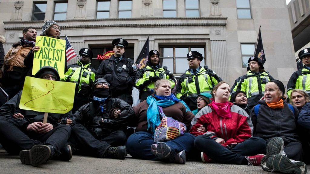 Web firm fights DOJ on Trump protesters