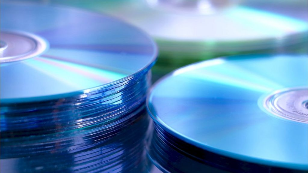 Lovefilm By Post DVD rental service to close