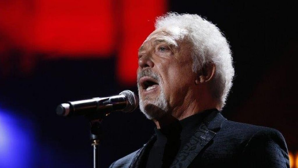 Sir Tom Jones cancels US tour on 'medical advice'