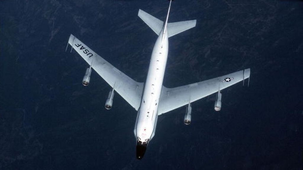Russian jet 'flies 5ft from US spy plane' over Baltic Sea – BBC News