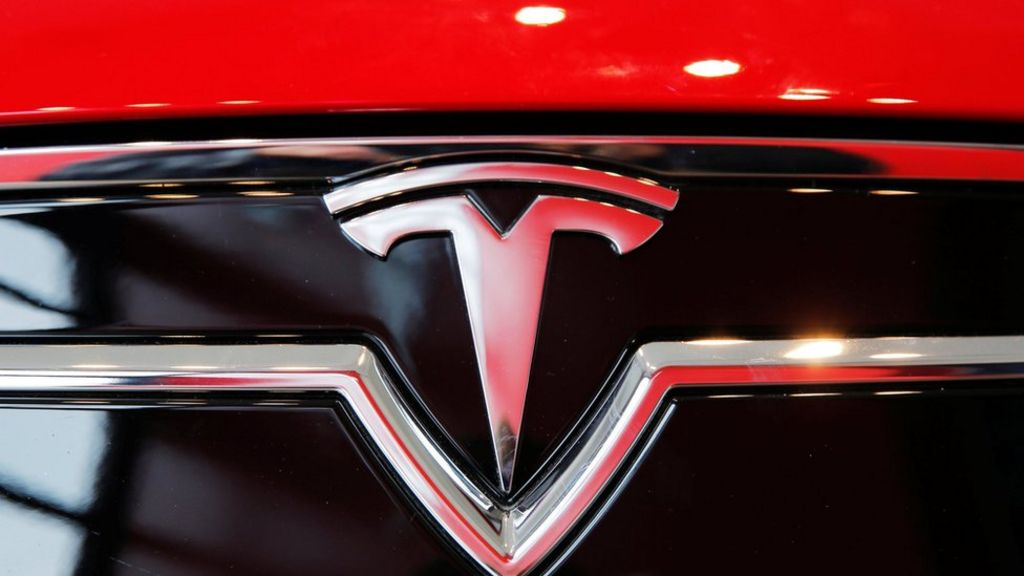 tesla motors external analyis Strategic analysis of tesla motors posted on 2014-08-08 updated on 2014-10-12 1 history tesla motors, inc is an american company which designs, manufactures, and sells super efficient electric cars and also electric powertrain components to others manufacturers.