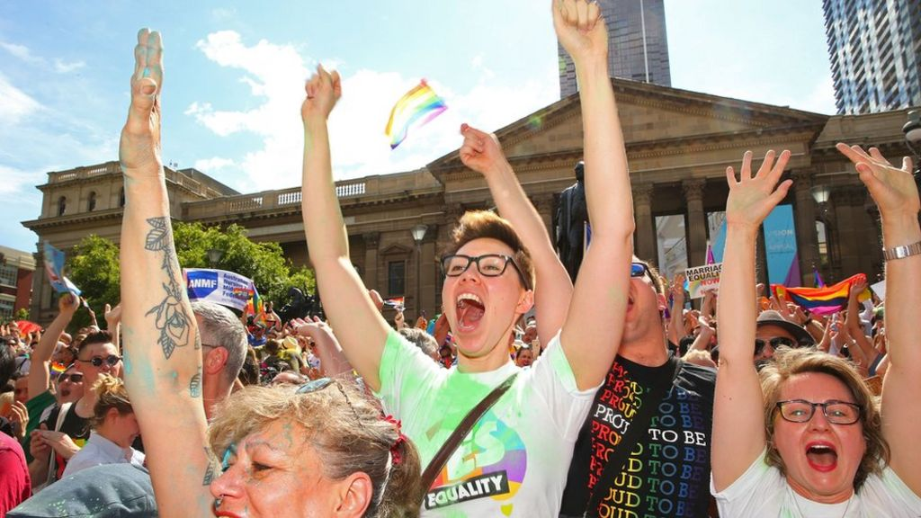 Australians decisively support same-sex marriage