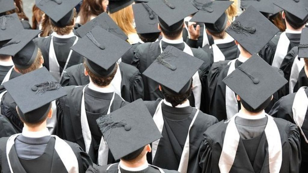 No reverse on 6.1% student interest rate - BBC News