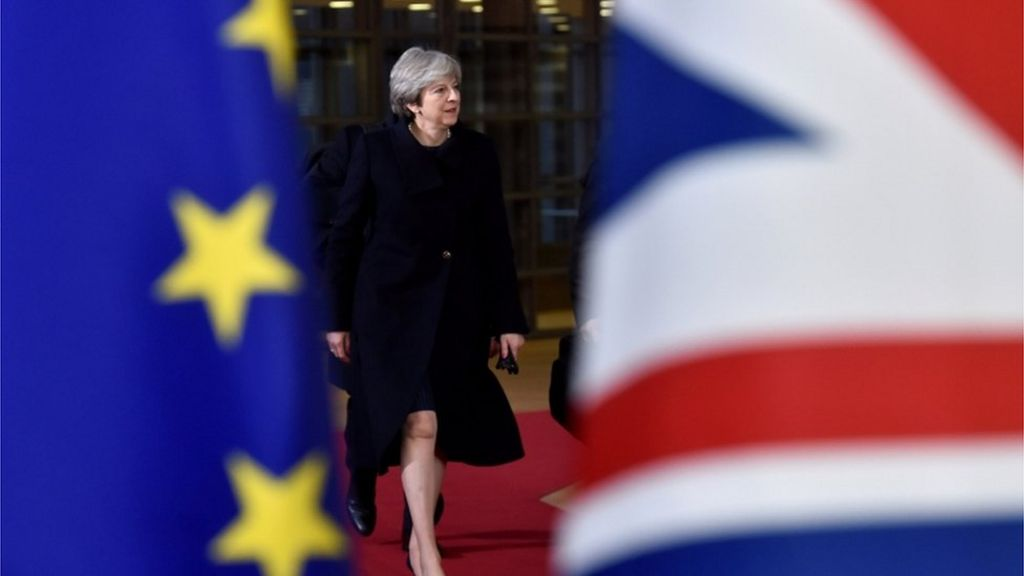 Brexit: Theresa May to discuss end deal with ministers
