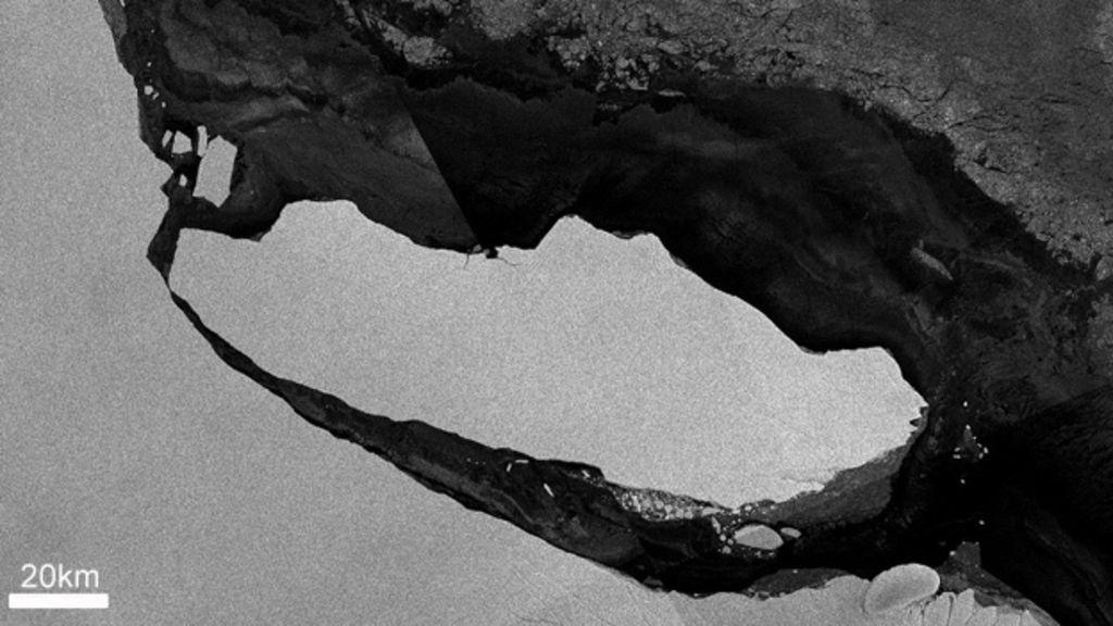 Big Antarctic iceberg edges out to sea