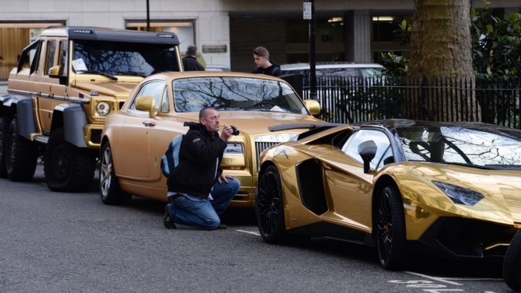 knightsbridge gold supercars given parking tickets bbc news. Black Bedroom Furniture Sets. Home Design Ideas