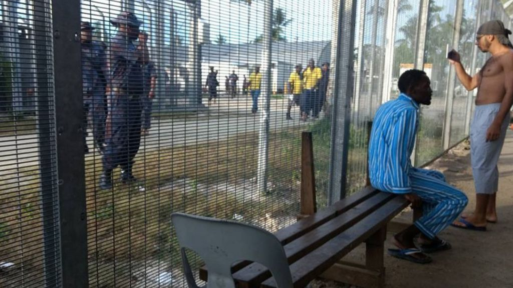 Police enter Australia's closed asylum camp