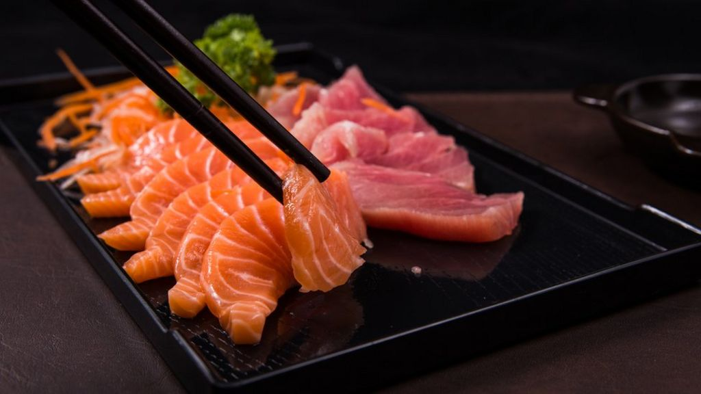 Sushi lovers warned of parasites danger in raw fish bbc news for Is sushi raw fish
