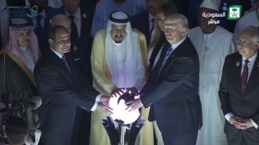 bbc.co.uk - Fire burn and cauldron bubble': Trump and the glowing orb - BBC News