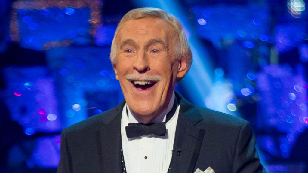 bbc.co.uk - Sir Bruce Forsyth: TV legend dies aged 89 - BBC News