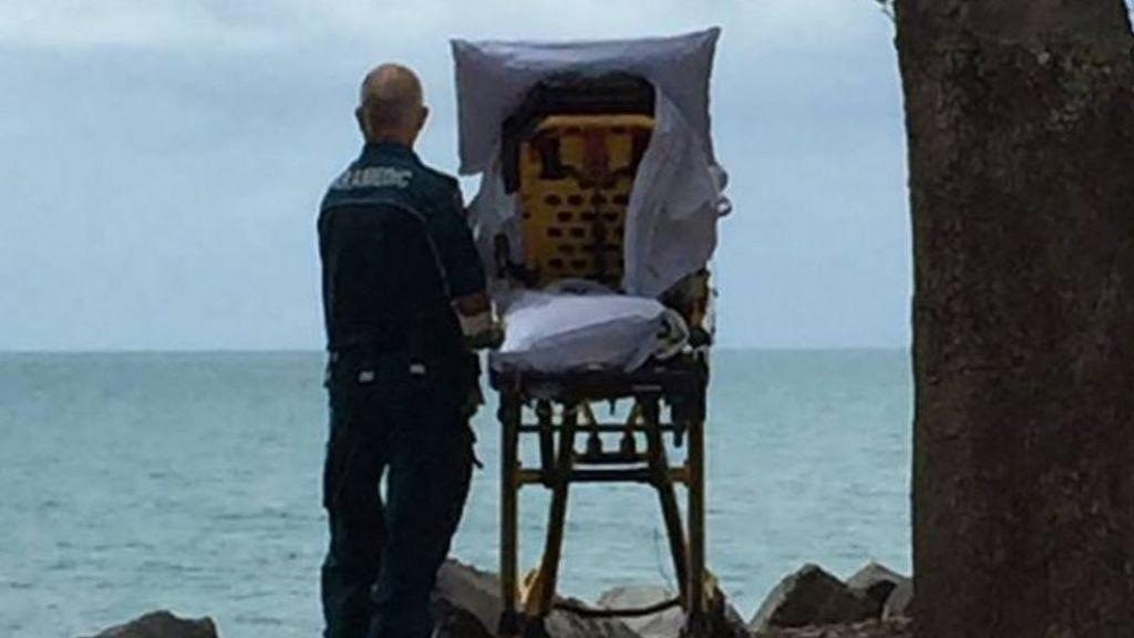 Paramedics fulfil dying woman's wish