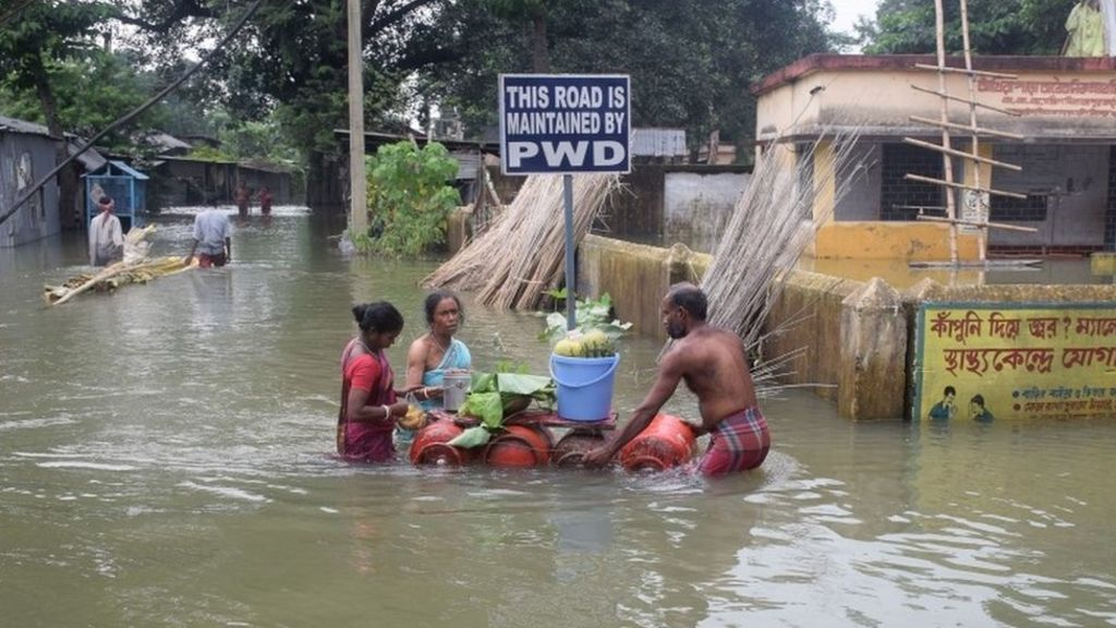 Deadly South Asia floods affect 16m people - BBC News