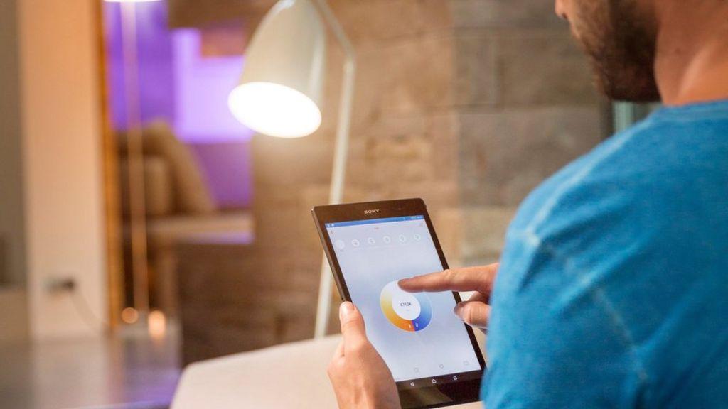 Osram Lightify light bulbs 'vulnerable to hack' - BBC News
