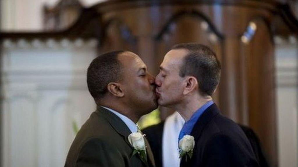 Why men kissed in response to Orlando killings - BBC News