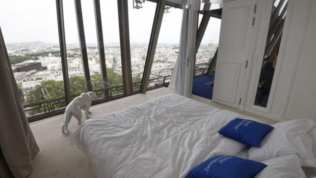 Euro 2016 inside luxury eiffel tower apartment bbc news for Apartment in the eiffel tower