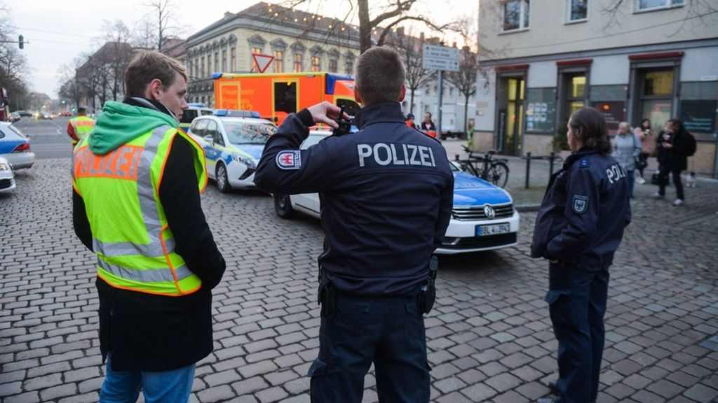 Potsdam police find explosives near Christmas market