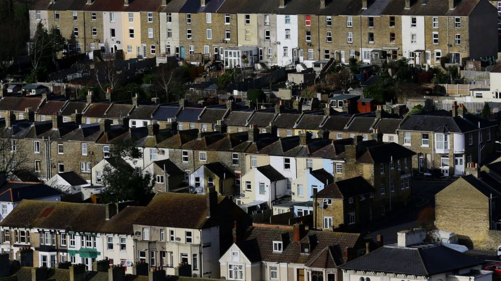 House price growth continues to slow in UK