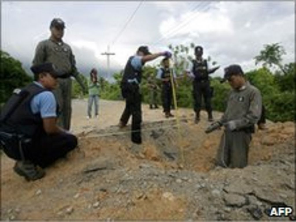 thai insurgency Bannang sata, thailand -- under the cover of darkness, thai soldiers and paramilitary troops are raiding remote stretches of thailand's southernmost p.
